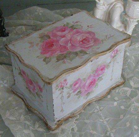 Romantic Roses Keepsake Box