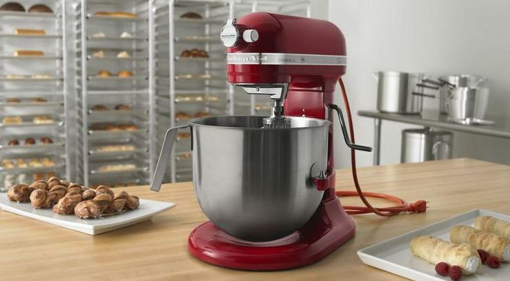 The most powerful Mixer  - Commercial 8 Q  by Kitchenaid.  Najnowszy i najwiekszy mikser marki Kitchenaid - Commercial PRO 8 oraz akcesoria juz dostepne w naszej ofercie http://madeinusa.com.pl/category/miksery-kitchenaid-commercial-pro-8?horizontal
