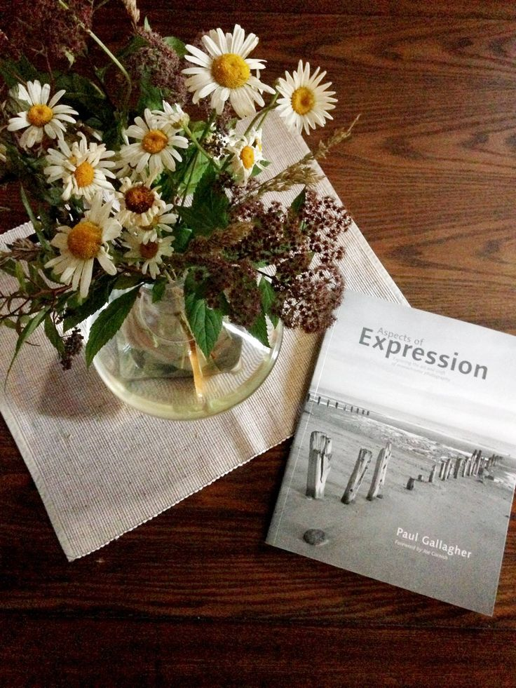 A time for relaxation, fresh flowers and pleasant reads - it's your time at #PoemBoem villa. Beautiful living is a choice. We owe it to ourselves. www.poemboem.com