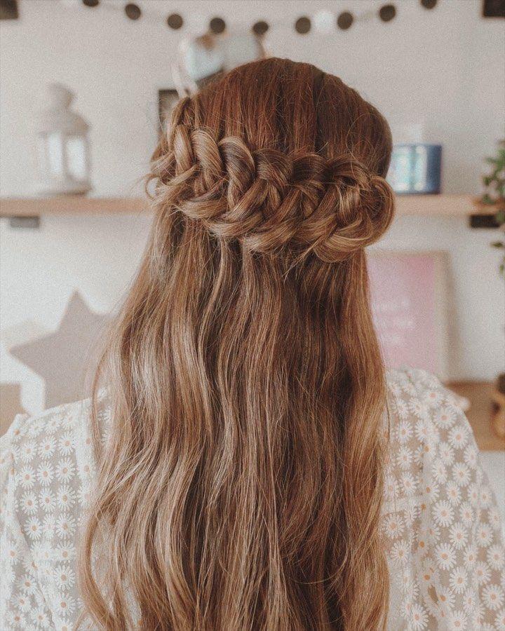 """ANIAM on Instagram: """"Un peinado nuevo para la colección ✨ este consiste en crear nudos, les prometo que es tan fácil una vez se aprendan el patrón del inicio.…"""" Cute Braided Hairstyles, Hairstyles For School, Braids, Lara Jean, Dreadlocks, Long Hair Styles, Jean Outfits, Makeup, Hair Ideas"""