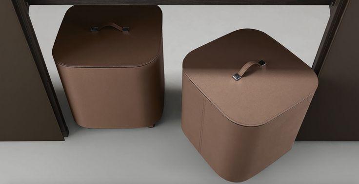 Rimadesio Cover exclusieve garderobe of vitrine kasten op maat, high-end Italiaans design. Vrijstaand, wandmodellen of doorloopkasten.