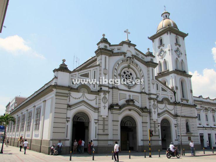 Un bello primer plano de la #catedral de #ibague para todos los turistas y amigos de la región. http://ibague.es