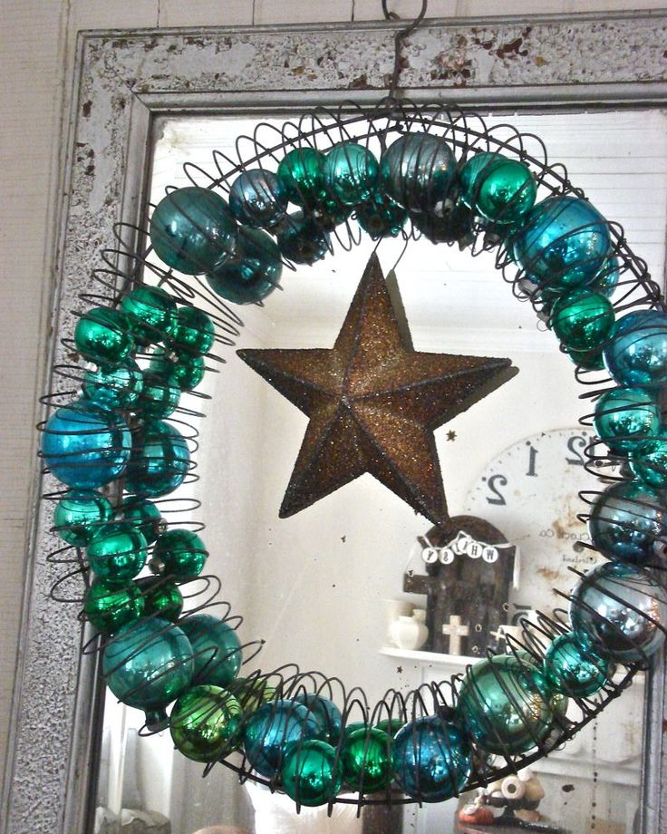 Love this bauble wreath: Christmas Wreaths, Idea, Glasses Ornaments, Vintage Christmas, Wire Hangers, Vintage Ornaments, Hold Ornaments, Wire Form, Ornaments Wreaths