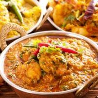 Een indonesisch, lekker pittig gerecht. Dit keer gemaakt in de slow-cooker. Zet het smorgens klaar, ga lekker weg, kom savonds thuis in een oosterse sfeer.