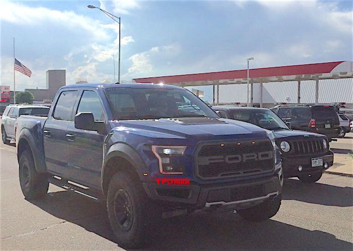 2017-ford-raptor-grille-lights-spy