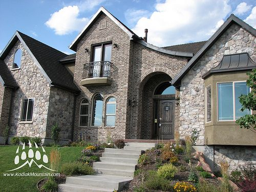 1000 images about brick and stone exterior on pinterest - Stone brick exterior combinations ...