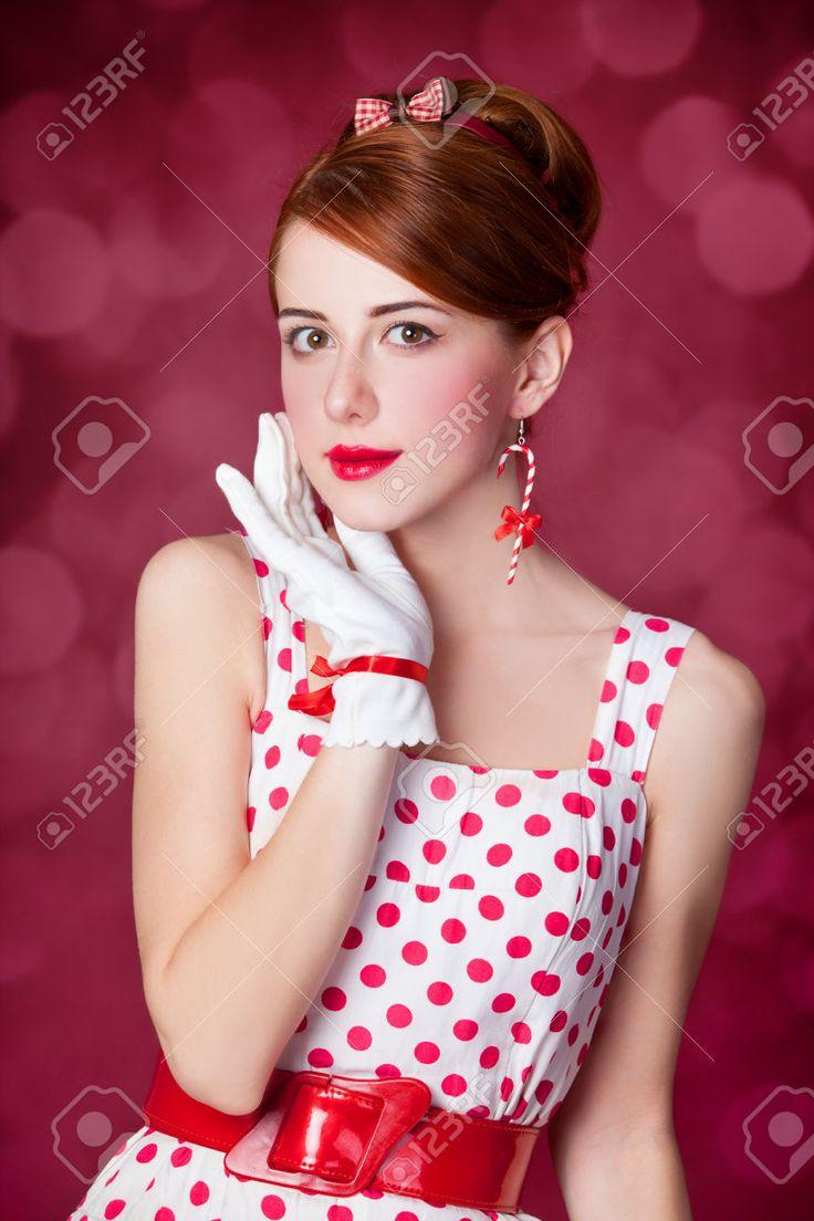 Mooie Roodharige Vrouwen. Foto In Retro Stijl Met Bokeh Op De Achtergrond. Royalty-Vrije Foto, Plaatjes, Beelden En Stock Fotografie. Image 23518792.