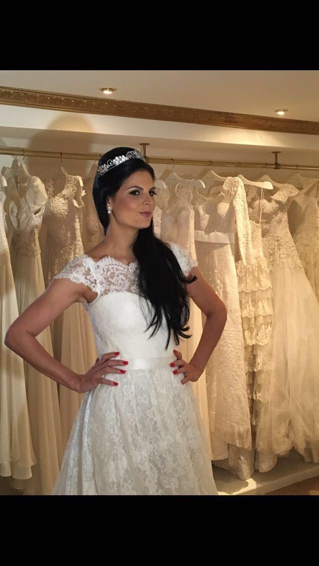 Marie brincando de ser noiva