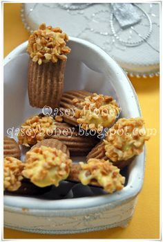 BISKUT ALMOND BEAUTY