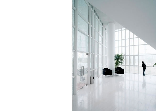 Office Building of Qingpu Private Enterprise Association Location:Qinglong Rd, Qingpu, Shanghai Floor Area:6745sqm Design:2003-2005 Completion:2005.9
