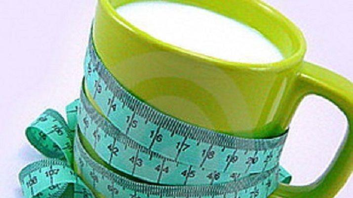 Многих женщин интересует, как пить кефир, чтобы похудеть на 12 кг за неделю? Нужно сказать, что это вполне реально, т.к. похудение на кефире считается быстрой диетой, к тому же низкокалорийной. Но необходимо помнить, что такой метод похудения является довольно строгим, хотя и действенным, при желании можно сбросить от 5 до 14 кг за 7 дней. …