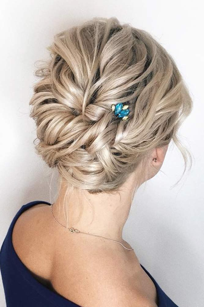 Short Hairstyles For A Christmas Party Lovehairstyles Com Hair Styles Christmas Party Hairstyles Short Hair Styles