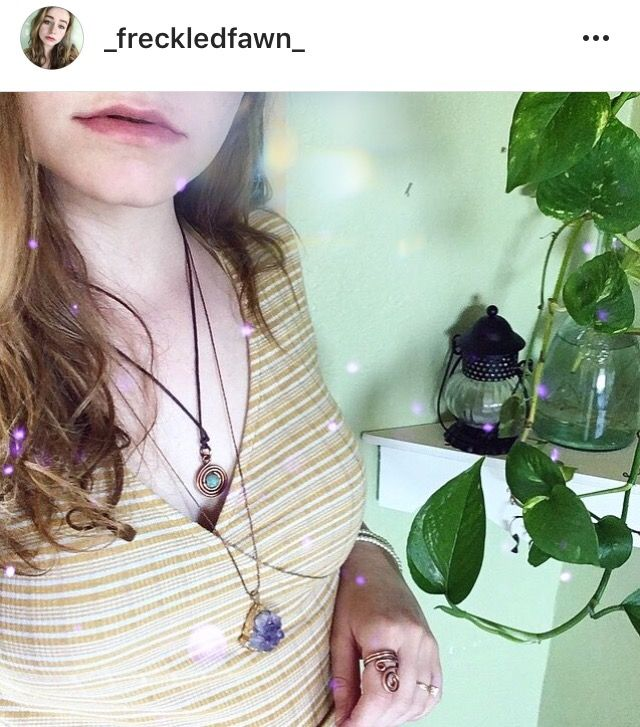 Instagram: _freckledfawn_ #jewelry #outfits #festivaloutfits #festivalfashion #crystals #makeup #roomdecor