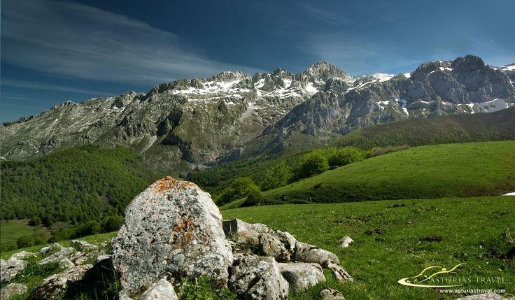 Entorno de Vegabaño en los Picos de Europa. http://www.asturiastravel.com