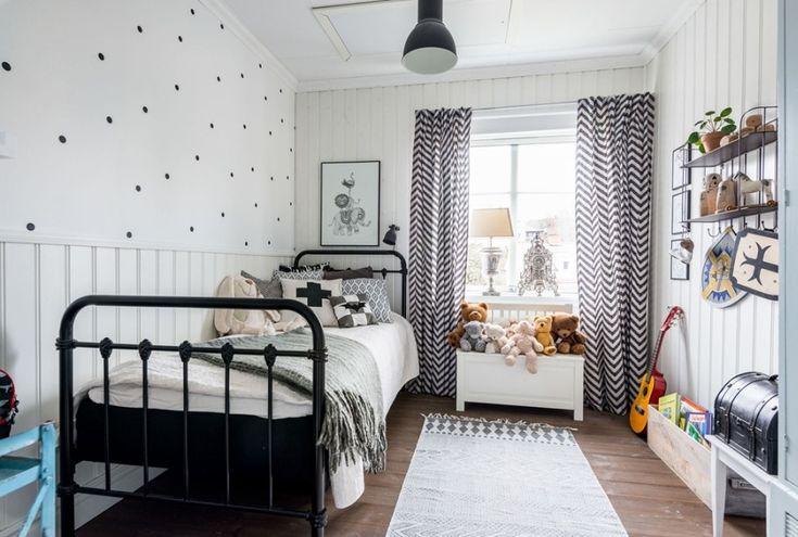 Szwedzki dom w szarościach i czerni