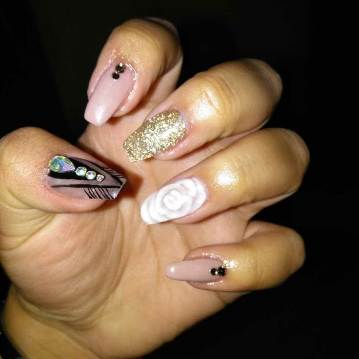 Sinaloa nails. That's a 3d flower that has been encapsuled.