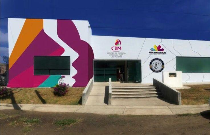 La directora del Centro, Janeth Martínez, detalló que de las mil 200 mujeres que acudieron a recibir una asesoría legal o médica durante este año, más de 700 están en ...