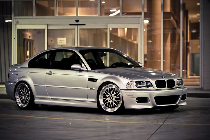 BMW M3 e46 SMG - M3 Performance, BMW reliability, & SMG paddle shifters, this would be a pretty awesome commuter
