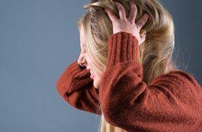 Шелушение кожи головы, причины, лечение, рецепты лечебных масок в домашних условиях