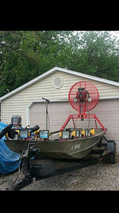 15 best images about bowfishing boats plans on pinterest for Night fishing light setup