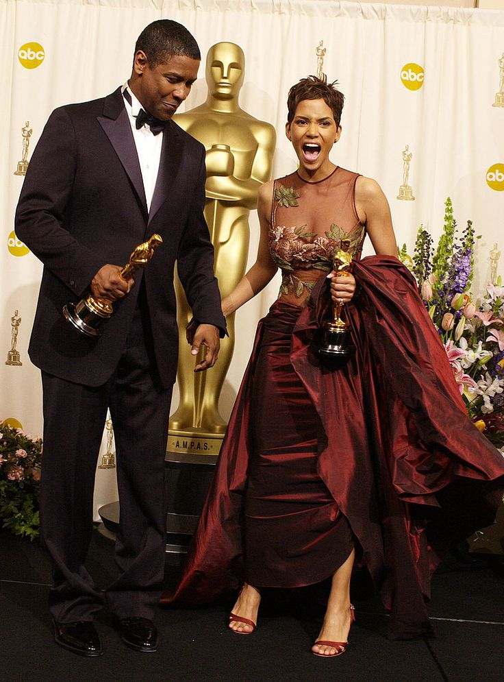 Oscar winners: Denzel Washington for 'Training Day' and Halle Berry for 'Monsters Ball', backstage in 2002.
