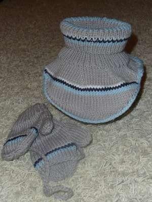 Milé maminky,<br> tak jsem konečně spáchala nákrčník ( podle mě naprosto úžasný vynález ) a rukavičk...