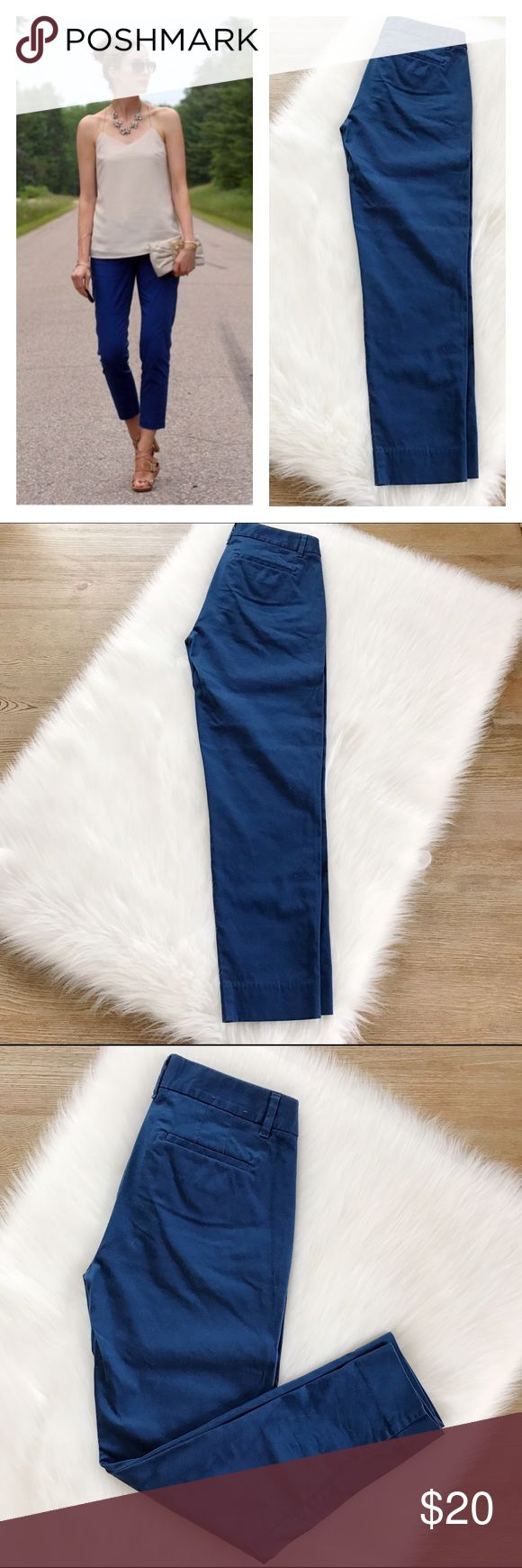 SALEJ.Crew Factory Blue Ankle Crops Gorgeous ankle crops, excellent condition, no flaws, washed, hung to dry & steamed. Side pockets & back pockets. 98% cotton, ask for measurements, size is 00.                            FINAL PRICE                 10% off 2 items or more!                             •NO TRADING                             •smoke free J. Crew Pants Ankle & Cropped