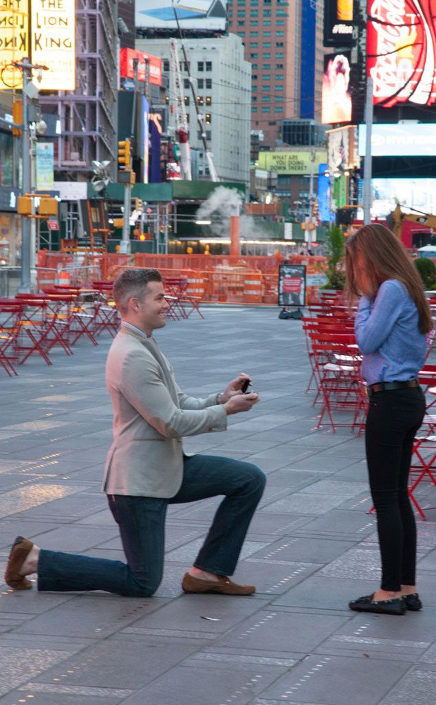 Ryan Serhant from Million Dollar Listing New York had Times Square shut down to propose to girlfriend lawyer Emilia Bechrakis...lucky girl.