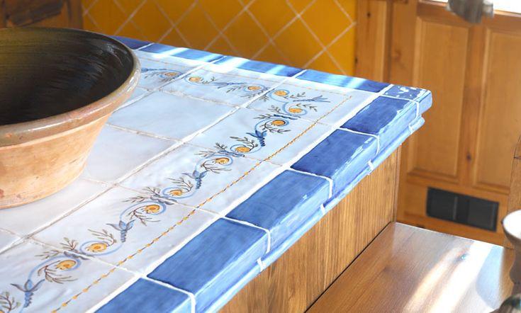 #Azulejos para vestir las #encimeras y #mesas de la #cocina