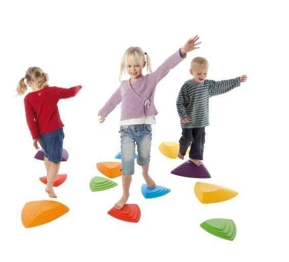 Omschrijving: Rivierstenen | Stapstenenset Met de rivierstenen van Gonge stimuleer je spelend de coördinatie, balans en bovenal heb je veel speelplezier! Het doel is om van steen naar steen te springen zonder de grond te raken.
