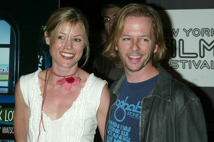 Julie Bowen & David Spade - They dated briefly before she found her future husband. Julie has 3 children.