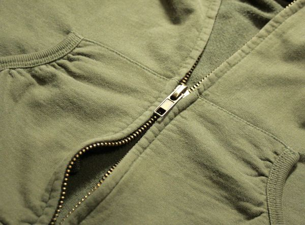 Fixing a split zipper - very easy to do! I just fixed a split zipper on a nappy bag, think I had overfilled the pocket so the slider 'stretched' and stopped grabbing the zipper teeth.