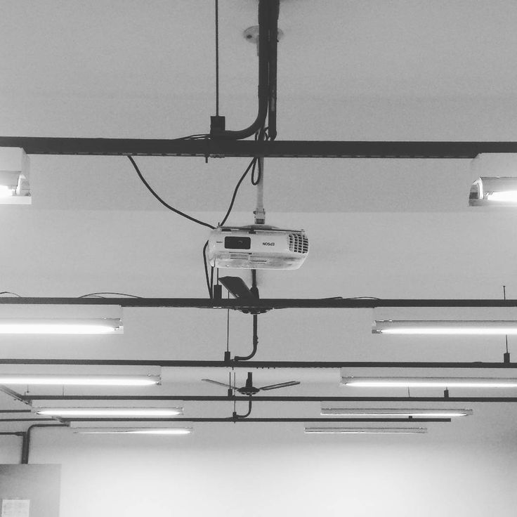 Exames finais da disciplina Análise de Dados Categóricos.  #stats #test #statistics #room #lamps #patterns #student #teaching #university #categorical #dataanalysis #projection #mind #exams http://butimag.com/ipost/1561968809367461114/?code=BWtOltAllz6
