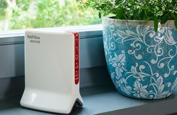 Avec la fin des frais de roaming, AVM en profite pour proposer un nouveau modem routeur sans fil qui exploite la 4G au lieu d'une connexion internet filaire haut débit. Une solution que le constructeur positionne pour tous ceux qui ont besoin d'une connexion internet à... https://www.planet-sansfil.com/avm-lance-fritzbox-6820-lte/ 4G, FRITZ!Box 6820 LTE, LTE, sans fil, Wi-Fi, WiFi, Wireless