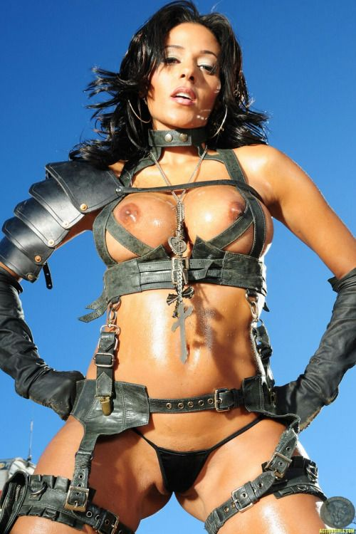 action-girls-nude-girls-with-guns