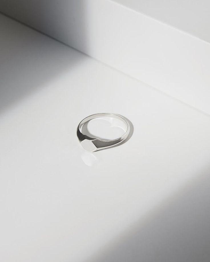 Mini Signet ring silver. myeldesign.com
