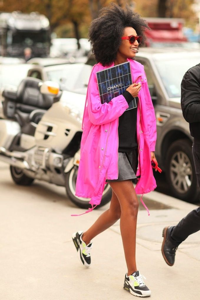 loving the fluro pink coat and neon sneakers // #streetstyle