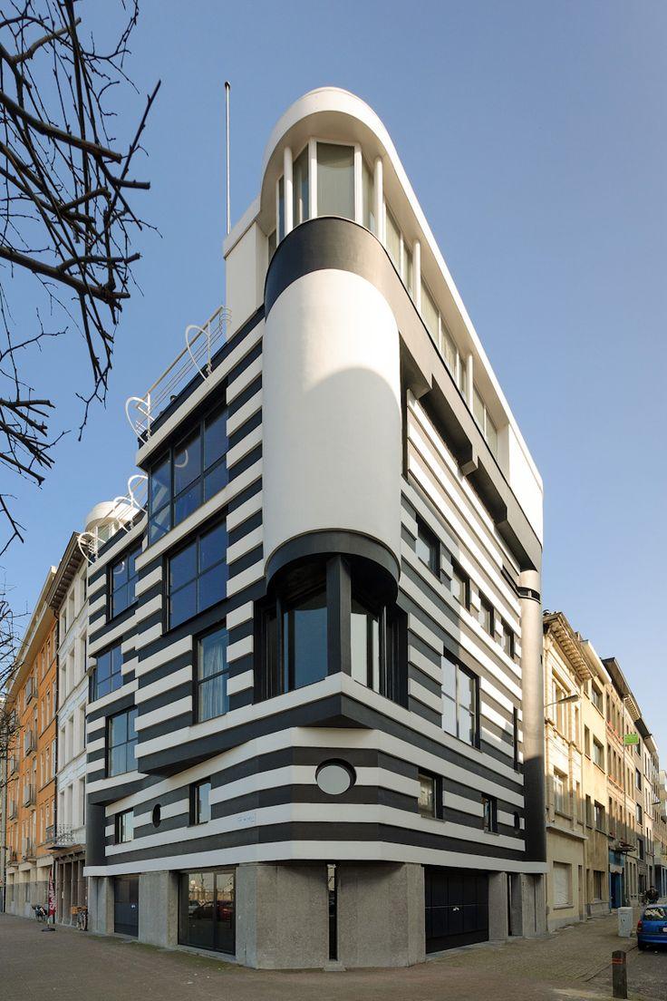 Modernistic house Huis van Roosmalen, Antwerp, Belgium