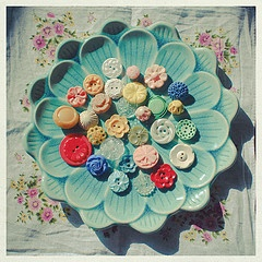 pretty just for the sake of prettyVintage Plates, Vintage Buttons, Vintage Dishes, Vintage Wardrobe, Colors, Donkeys, Display, Blue Flower, Vintage Style