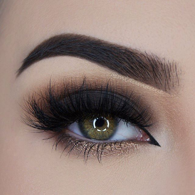 ✔️✨ @toofaced Chocolate Bar & Semi-Sweet Chocolate Bar Palettes, @diamond_japney Lashes in style Desired, @evepearl Liquid Eyeliner, @eyeko Black Magic Mascara.