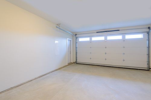 De-cluttering is only the first step to a thorough #Springcleaning in your #garage. Read on to find out more! https://goo.gl/KYmBRQ