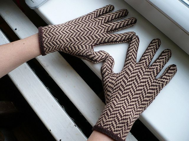 240 best Knitting Gloves (with fingers) images on Pinterest ...