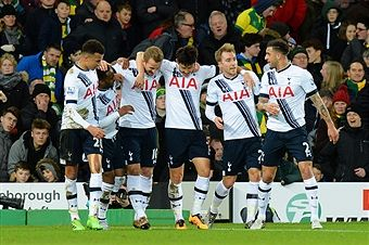 Harry Kane (3rd L) of Tottenham Hotspur celebrates scoring his team's second goal with his team mates during the Barclays Premier League match between Norwich City and Tottenham Hotspur at Carrow Road on February 2, 2016 in Norwich, England.