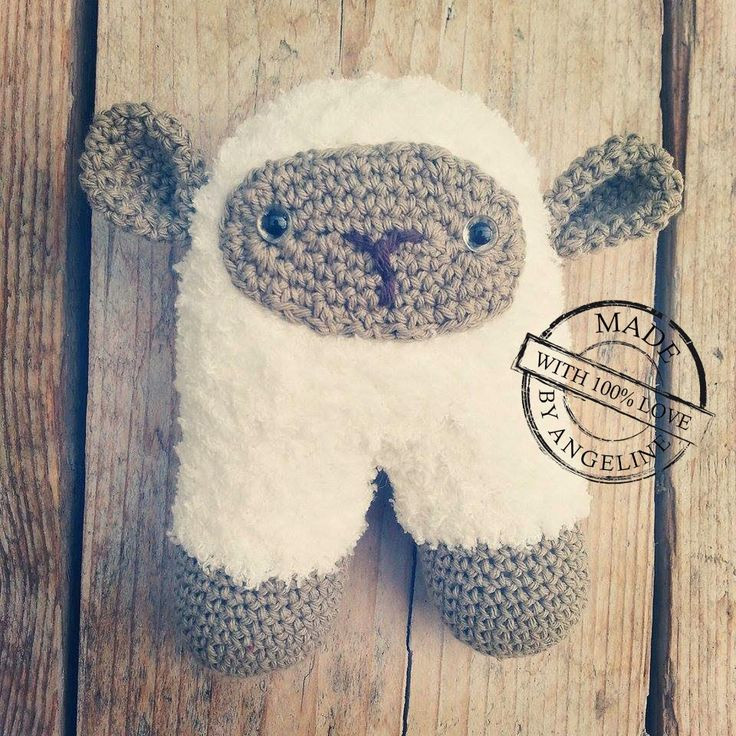 Crocheted sheep incl. rattle ball with link to  free  pattern