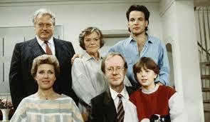 Diese Drombuschs ist eine Familienserie, die in den Jahren 1983 bis 1994 mit großem Erfolg im ZDF ausgestrahlt wurde. Es wurden insgesamt 39 Episoden gedreh