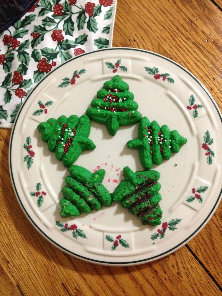 Spritz wreath cookies