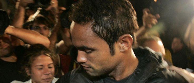 Noticias ao Minuto - Goleiro Bruno deixa prisão em Minas Gerais