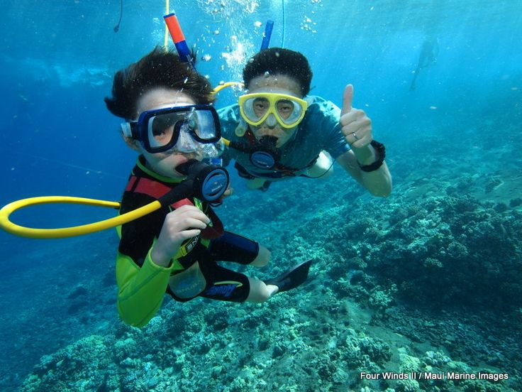 The family that plays together .... has the BEST time with us on our Molokini Crater snorkel tours!!!!