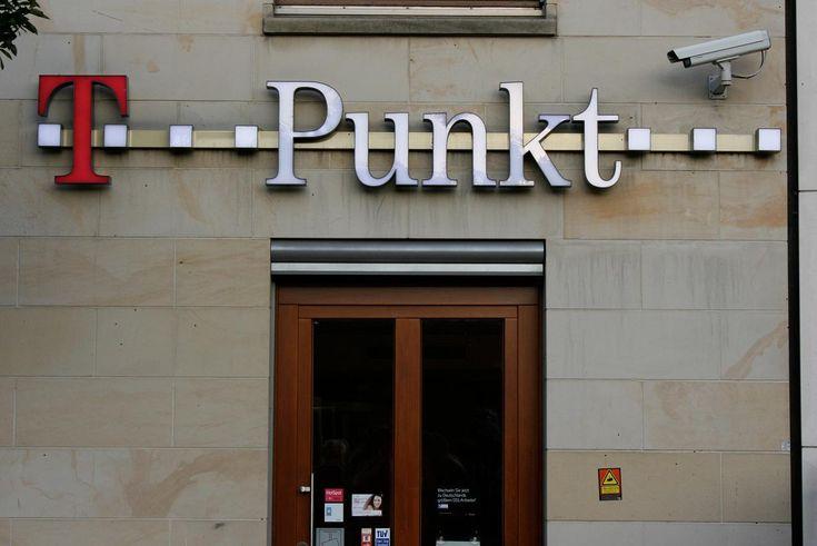 News: Vorratsdatenspeicherung: Deutsche Telekom klagt gegen Speicherung von IP-Adressen bei Mobilfunk und WLAN - http://ift.tt/2r3arcH #nachrichten