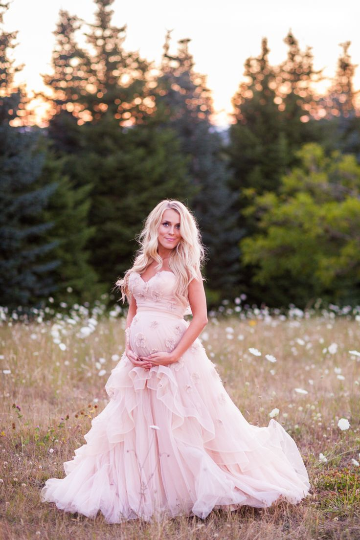 42 best luxurious maternity fashion images on pinterest for Best wedding dresses for pregnant brides
